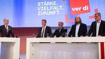 Parteien-Talk mit Moderator