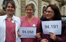 Bettina Schwalbe, Colette Conrad und Kerstin Melasch berichten von Dauerstress im Krankenhaus.