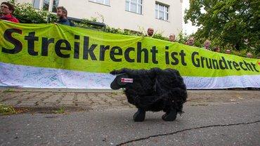 """Verleihung """"Schwarzes Schaf"""" am 21.06.2012 in Berlin"""