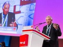 Gustav Horn, wissenschaftlicher Direktor des Instituts für Makroökonomie und Konjunkturforschung, spricht zu den Delegierten des. 4. ver.di-Bundeskongresses
