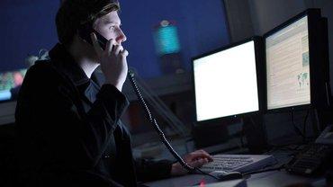 Wer an seinem Arbeitsplatz privat surft, muss mit der Kündigung rechnen