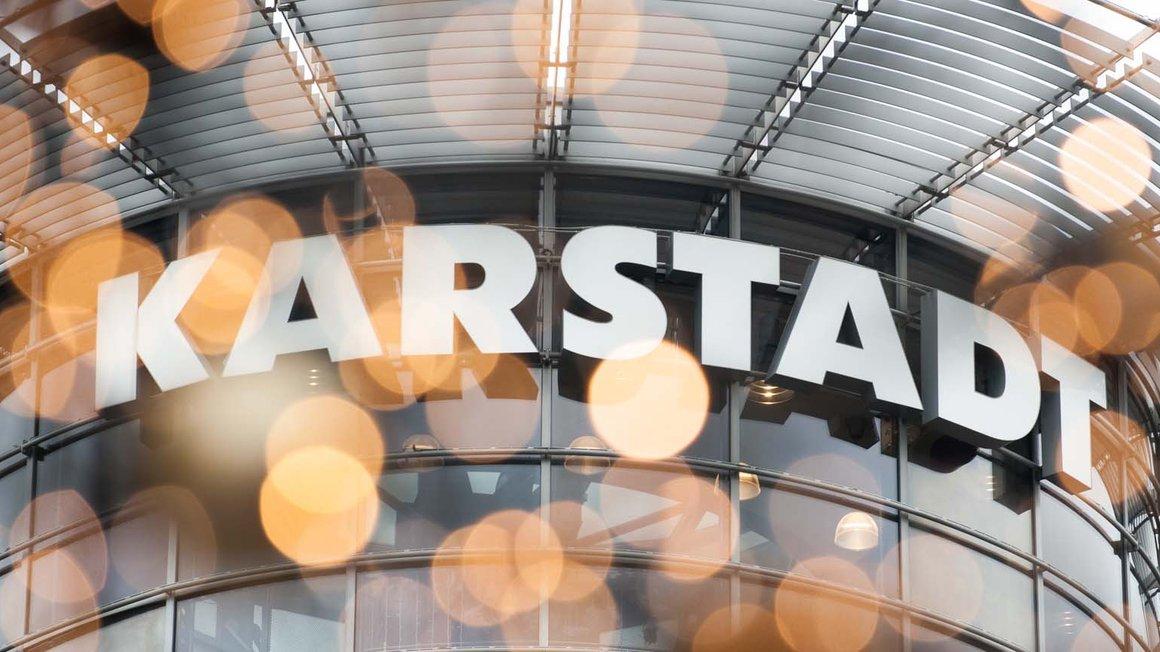 Karstadt-Beschäftigte bekommen die Tarifbindung zurück.