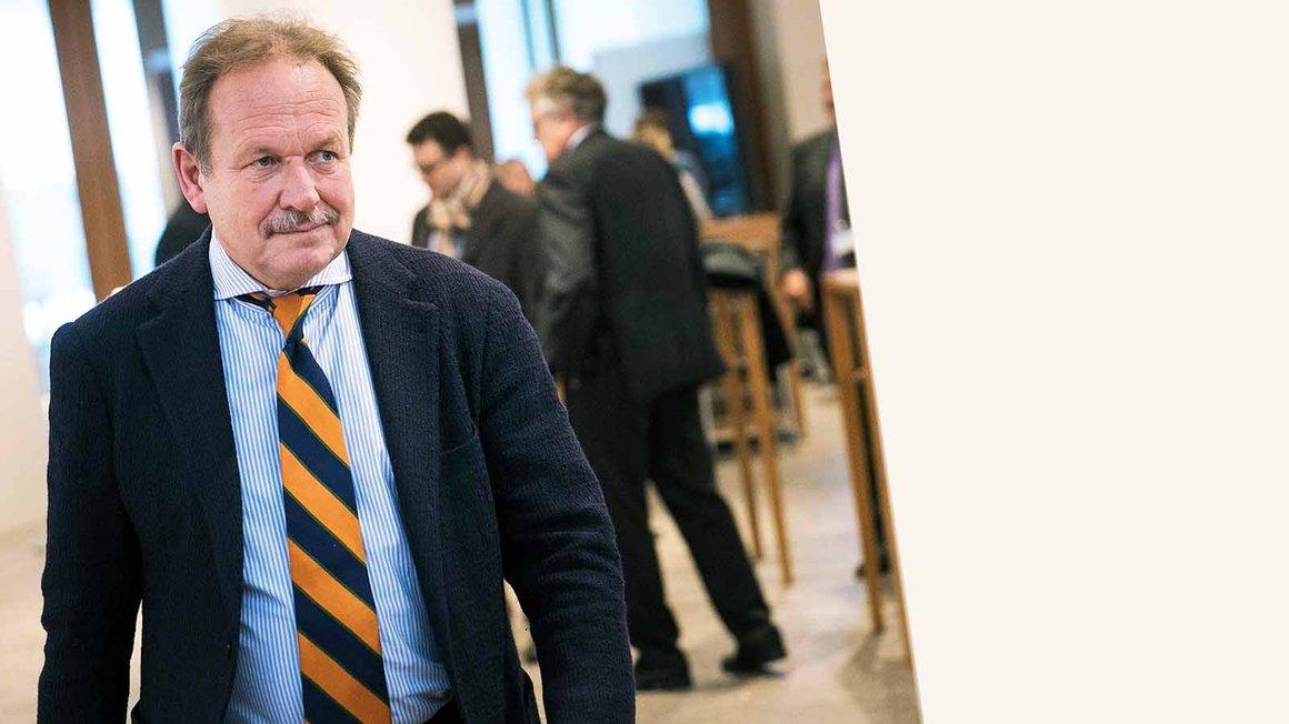 Frank Bsirske auf dem Weg zur Pressekonferenz in der Tarifrunde der Länder