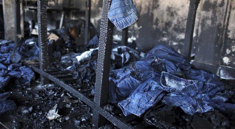 Dhaka/Bangladesch: 2013 nach dem Brand in der SMART-Fabrik