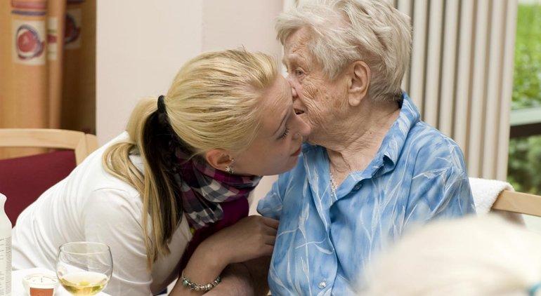 ver.di fordert eine Aufwertung der Pflegeberufe, mehr Geld und mehr Personal.