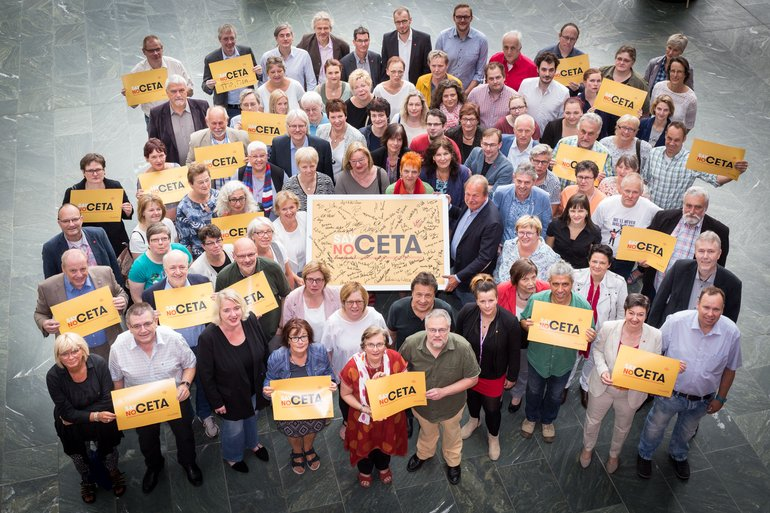 Der ver.di-Gewerkschaftsrat vereint gegen CETA