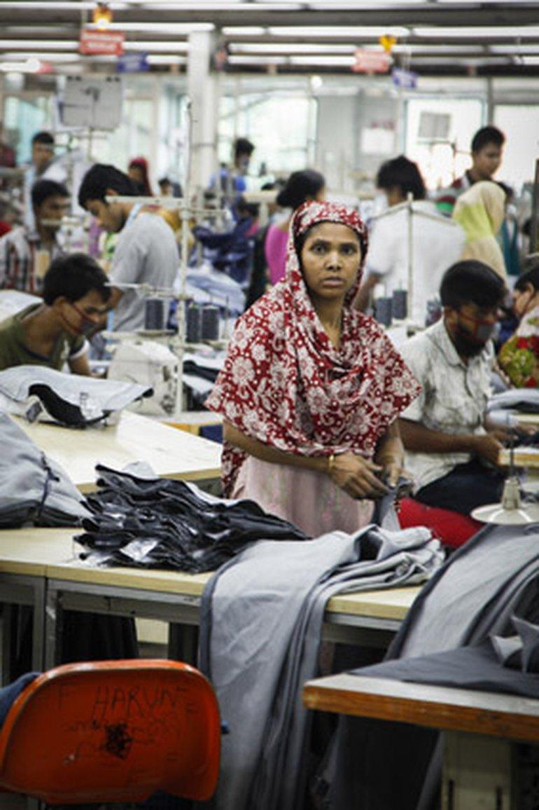 Ein Blick in die Fabrik, in der für Pimkie Apparels 400.000 Jeans pro Monat gefertigt werden