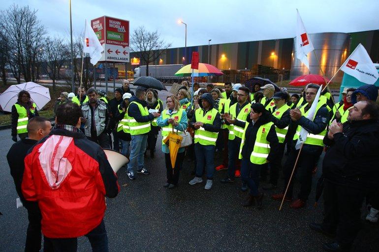 XXXL-Mann Mobilia in Mannheim stellte 99 Beschäftigte vor die Tür