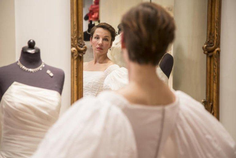 Kann sie sich noch im Spiegel ansehen? Meret Becker als Coco