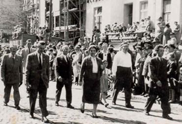 Anni Gondro, 01. Mai 1948