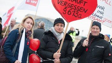 Die Beschäftigten von Air Berlin wollen einen Betriebsübergang und nicht übers Ohr gehauen werden