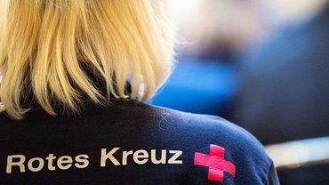 Die DRK-Betreuungsdienst Westfalen-Lippe gGmbH bezahlt ihre Beschäftigten nach dem Hotel- und Gaststättentarif.