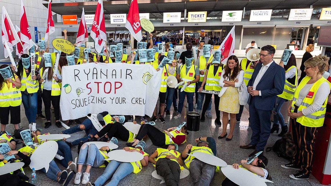 Allein am Flughafen Frankfurt beteiligten sich 75 Prozent der Ryanair-Kabienbeschäftigten am ersten Streik in Deutschland