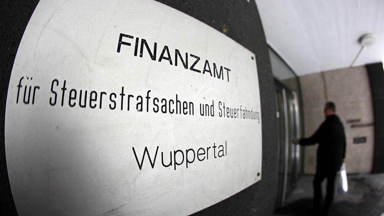 Steuerfahnder des Finanzamtes Wuppertal kauften 2012 CDs mit den Namen potenzieller Steuersünder