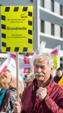 Ob alt oder jung: ver.di-Mitglieder pfeifen auf unsoziale Rentenpolitik!