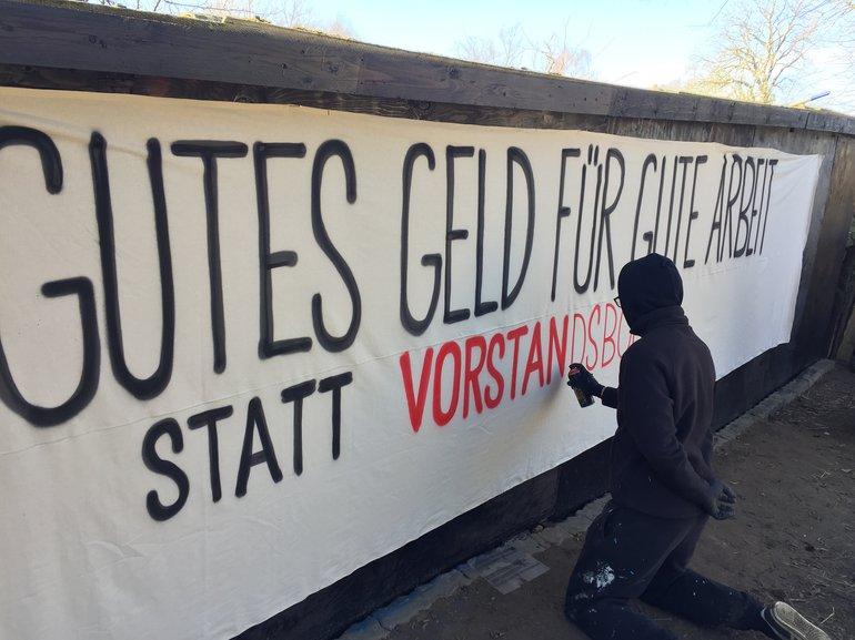 Vorbereitungen für Aktionen bei der Universitätsmedizin Rostock Logistik