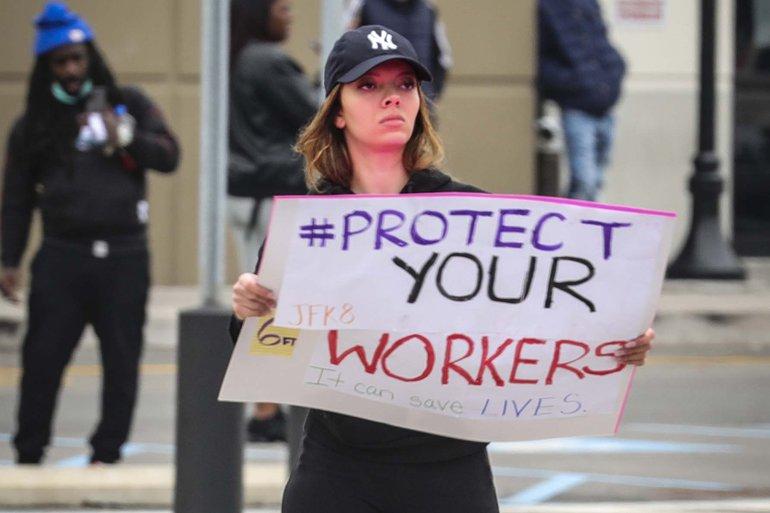 Die Beschäftigten des Fulfillment-Zentrums von Amazon New York protestieren gegen die Arbeitsbedingungen im Lager des Unternehmens. Auch die Beschäftigten in Amerika sagen, dass Amazon nicht genug tut, um die Beschäftigten vor der Verbreitung von COVID-19 und dem Coronavirus zu schützen