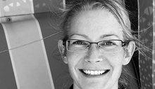 Julia Scherer, 43, arbeitet bei der Eckernförde Touristik und Marketing GmbH und ist in der Tourist Info unter anderem zuständig für Kurtaxe und Souvenirs