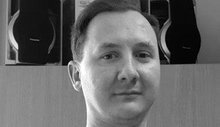 Nico Kloth, 34, arbeitet im Patiententransport für die Universitätsmedizin Rostock Logistik GmbH (UMR Logistik)