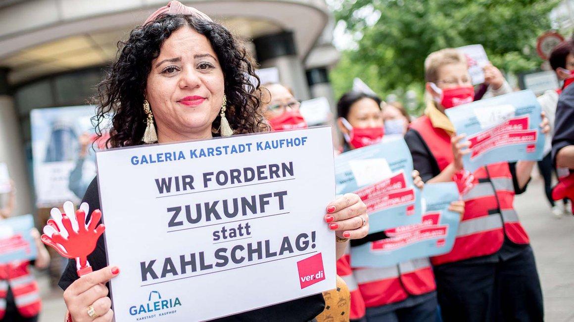 Protest von MitarbeiterInnen in Hannover