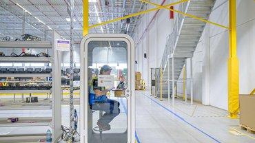 Amazon in Dortmund: Von hier aus werden Waren auf die Amazon-Logistikzentren in ganz Europa verteilt