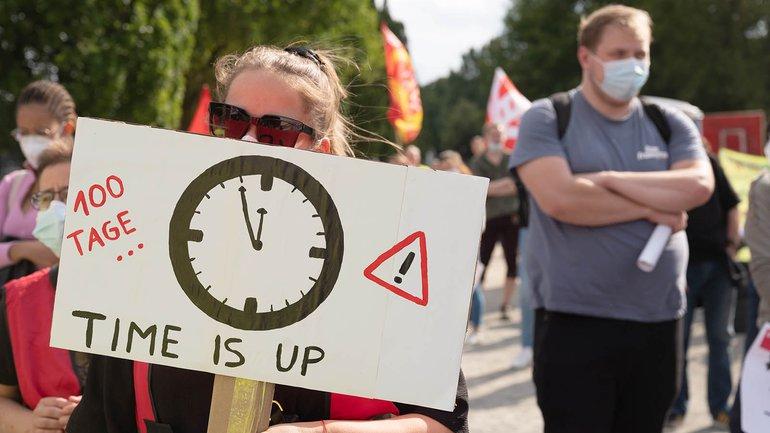 Die Uhr der Beschäftigten der Berliner Krankenhäuser ist abgelaufen, sie gehen in den Streik