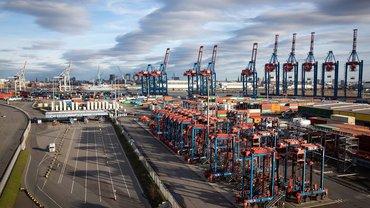 Die Corona-Krise hat auch zu Kurzarbeit am Hamburger Hafen geführt
