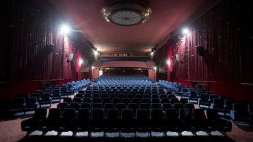 Ein Kino für sich allein – bildschön, aber schlecht für alle Filmschaffenden und Kino-Beschäftigten